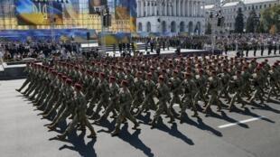 Военный парад на Крещатике в честь Дня Независимости Украины, 24 августа 2015.