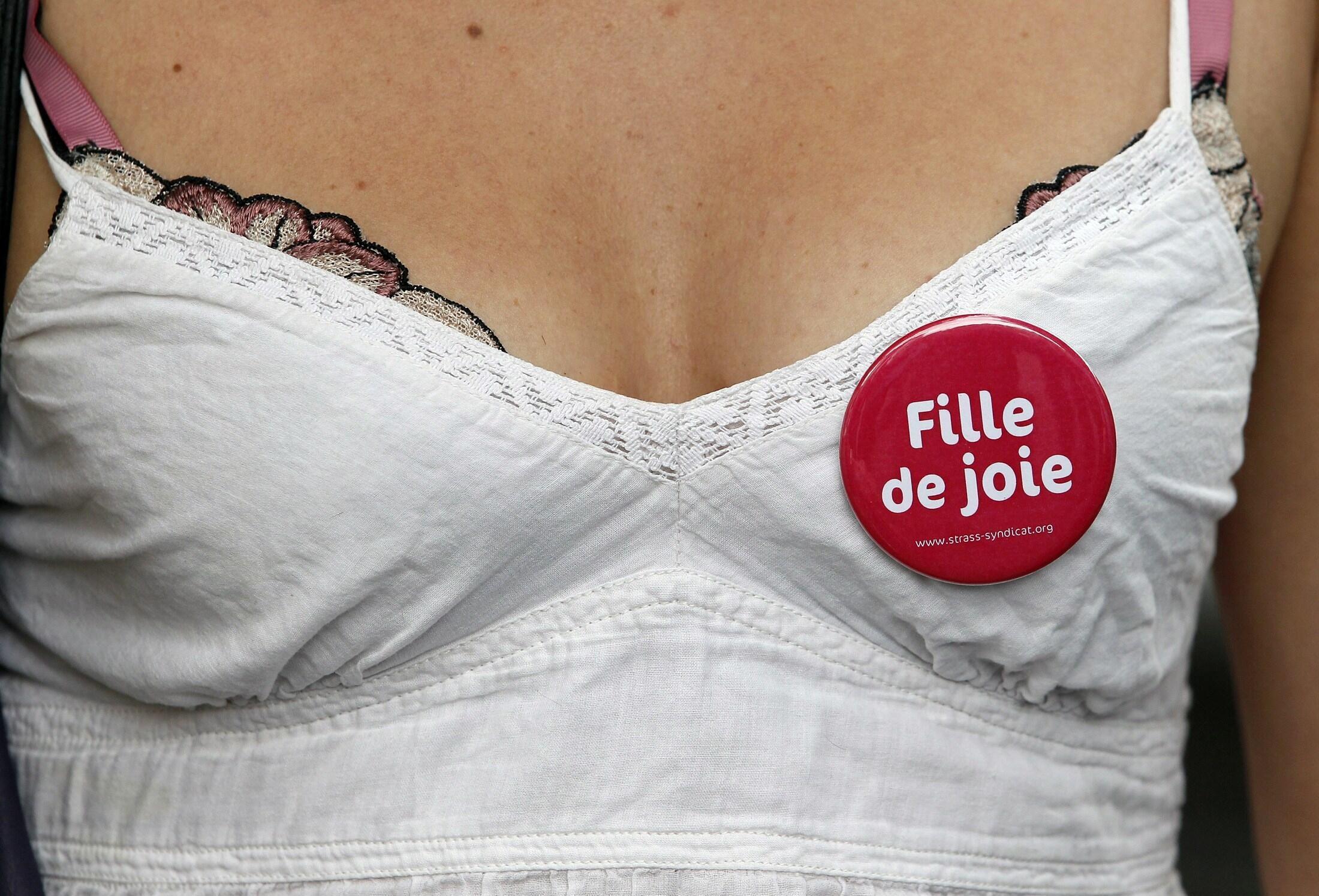 Gái mãi dâm biểu tình ở Paris đòi quyền được hành nghề - REUTERS /Regis Duvignau