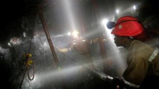 A Westonaria (photo), à 40 kilomètres au sud-ouest de Johannesburg, plus de 200 personnes ont été arrêtées ce lundi dans la mine d'or de Crooke, un des gisements de l'entreprise Sibanye
