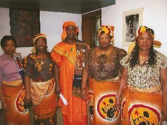 Membros da DIMA comemoram o Dia da Mulher Moçambicana