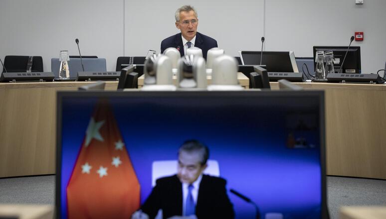 9月27日斯托尔滕贝格与王毅举行视频会议。