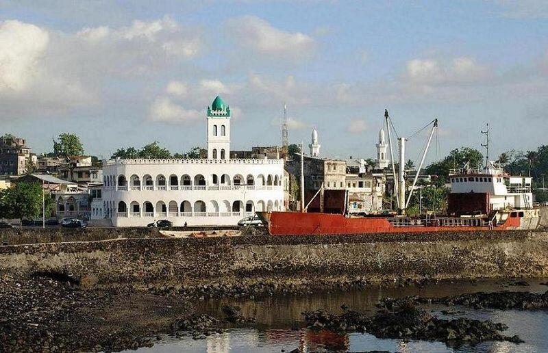 Le port de Moroni, aux Comores, par où transitent des médicaments de contrefaçon.