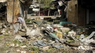 Les dégâts après les bombardements dans un quartier d'Alep, le 11 avril 2015.