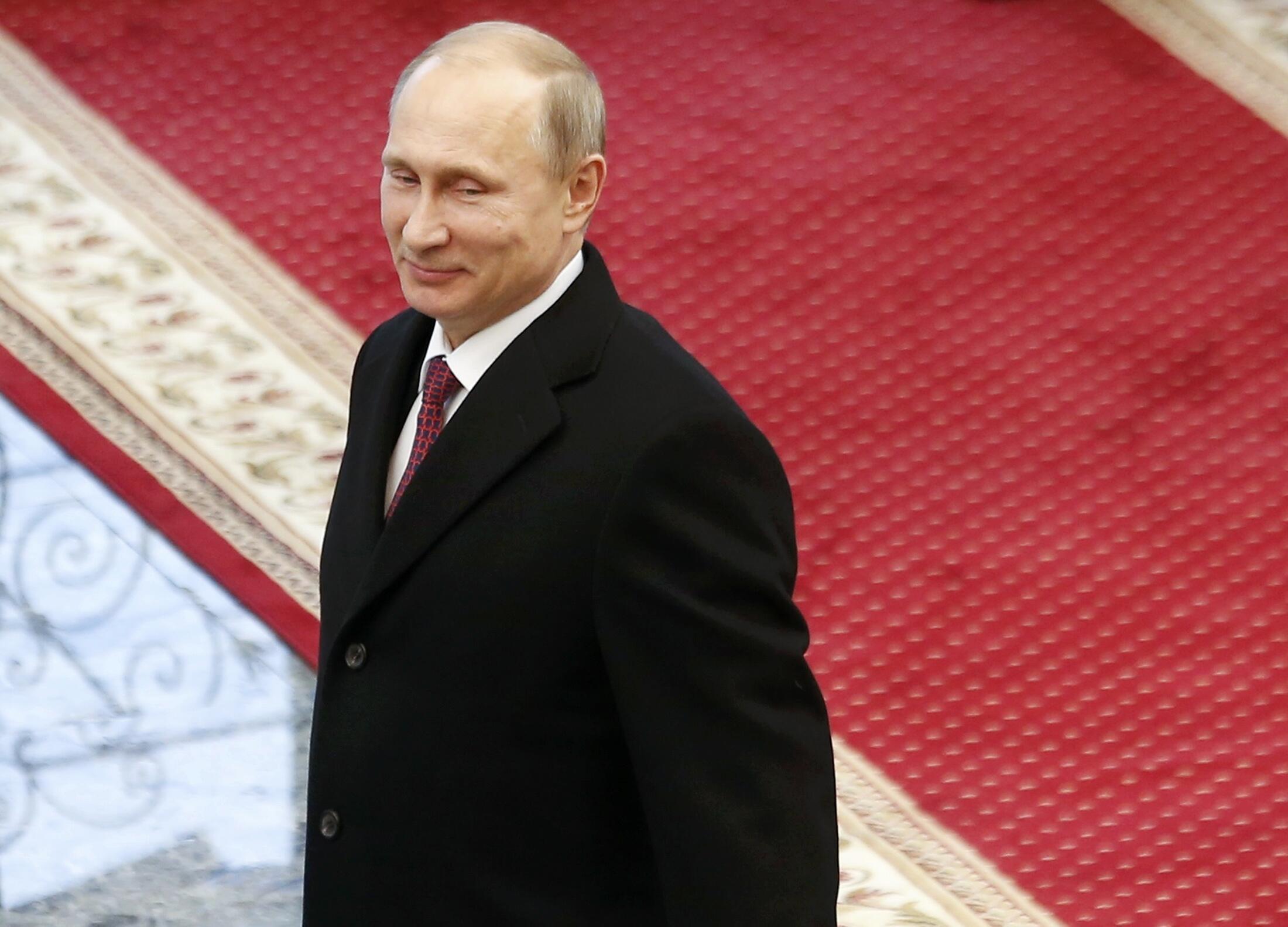 Para jornais franceses, Vladimir Putin tem nas mãos o destino da Ucrânia
