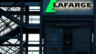 Dans le cadre de l'enquête sur les activités de l'entreprise Lafarge en Syrie, l'ONG Sherpa a demandé l'audition de Laurent Fabius par la justice.