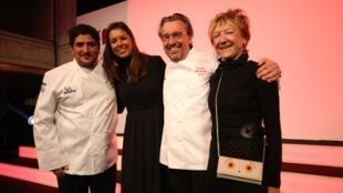 法国名厨洛朗·贝迪(Laurent Petit)(右二)荣获2019年米其林美食指南三颗星