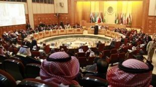 O ministros das Relações Exteriores da Liga Árabe se reuniram no Cairo, neste domingo.