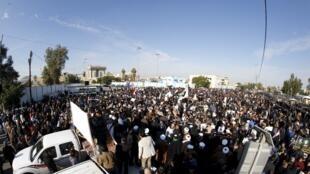 伊拉克什葉派激進教士薩德爾支持者抗議沙特處死什葉派神職人員尼姆爾2016年1月4日巴格達
