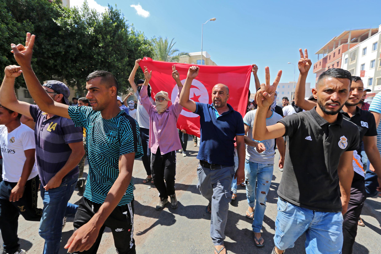 Manifestation pour demander la libération de protestataires arrêtés par la police, le 23 juin 2020 à Tataouine.