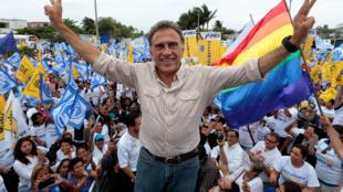 Miguel Ángel Yunes, candidato de la alianza opositora PAN-PRD a la gubernatura de Veracruz, el pasado 3 de abril en Veracruz.