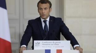 Le président de la République, Emmanuel Macron, durant sa conférence de presse au sujet de la situation économique et politique au Liban, dimanche 27 septembre.