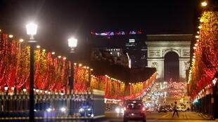 2020-11-22T184224Z_95982745_RC2I8K9RA9BM_RTRMADP_3_CHRISTMAS-SEASON-PARIS