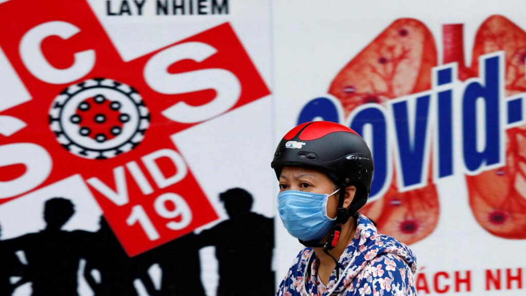 Covid-19 : Việt Nam phát hiện virus chủng mới xâm nhập và dự báo tình hình phức tạp