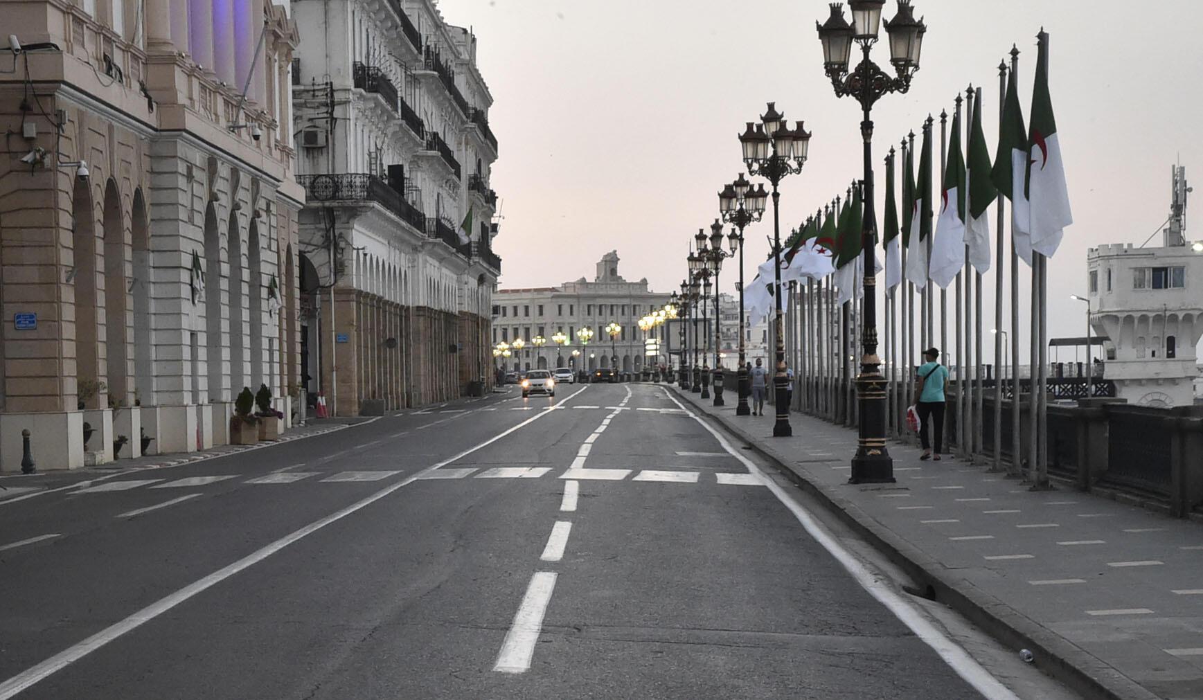 Birnin Algiers na kasar Algeria kenan ya kasance babu kowa a lokacin da aka killace al'umma don kauce wa kamuwa da cutar corona.