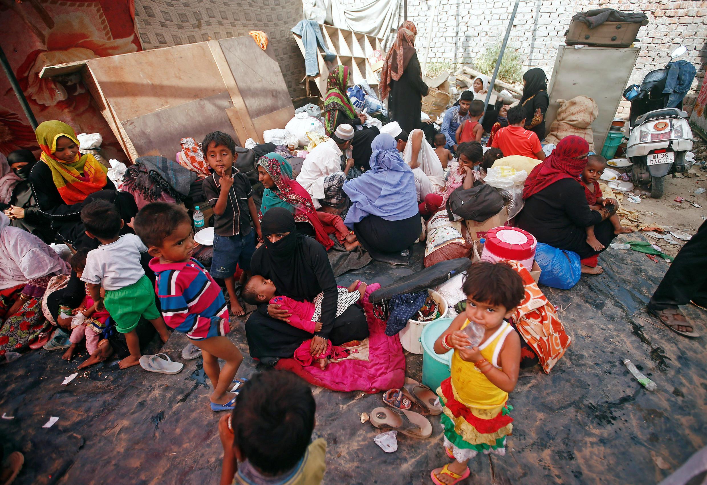 Người tị nạn Rohingya, bên ngoài New Delhi, Ấn Độ. Hiện 10 triệu trẻ em trong các trại tị nạn không được đi học.