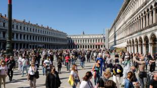 Itália 2020-05-04T104613Z_252837844_RC2MHG9R89YI_RTRMADP_3_HEALTH-CORONAVIRUS-ITALY