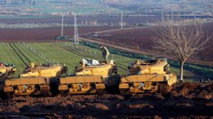 Турецкие танки на границе с Сирией, 28 января 2018.