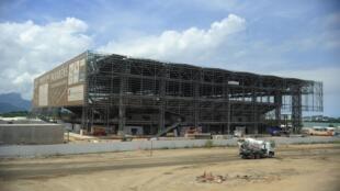 Foto da construção da Arena Carioca 3, palco da esgrima, taekwondo e judô paralímpico.24/03/16