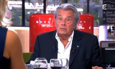 """Captura vídeo do programa """"C à Vous"""", no canal France 5, quando o ator francês Alain Delon causou polêmica ao falar contra a homosexualidade."""