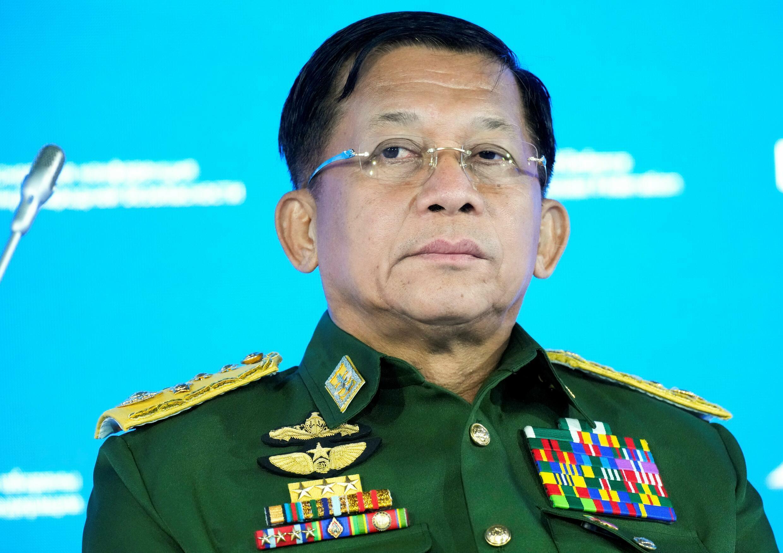 El jefe de la junta militar de Birmania , general Min Aung Hlaing, excluido de la próxima cumbre de la ASEAN que se celebra en Brunei del 26 al 28 de octubre, en foto tomada el 23 de junio de 2021