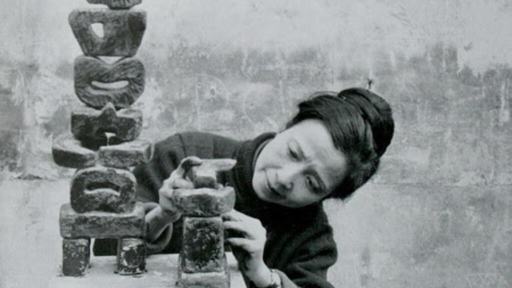 Nữ điêu khắc gia Điềm Phùng Thị: Bảy mẫu tự - Bảy nốt nhạc tượng