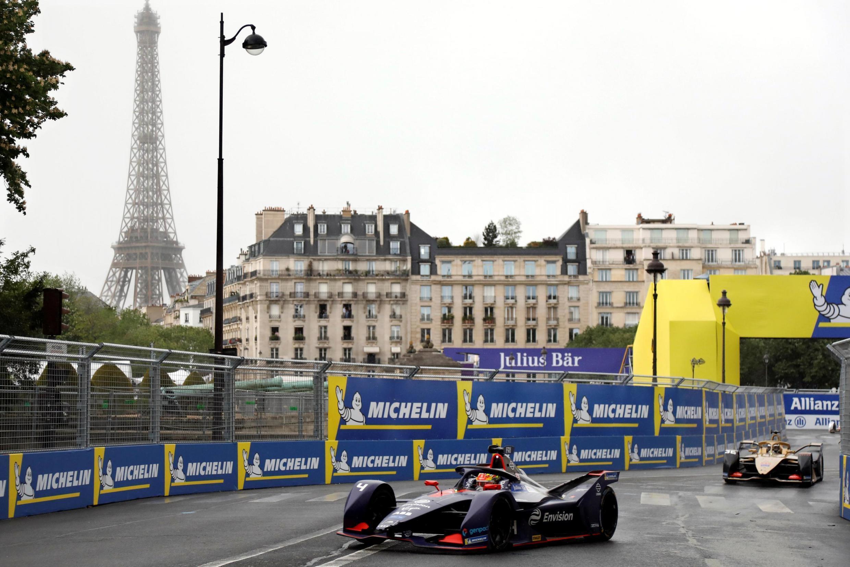 Robin Frijns, da Envision Virgin, lidera no E Prix de Paris.