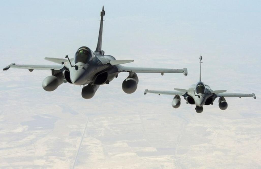 Les raids de l'aviation française se concentreraient sur les zones totalement occupées par le groupe EI.