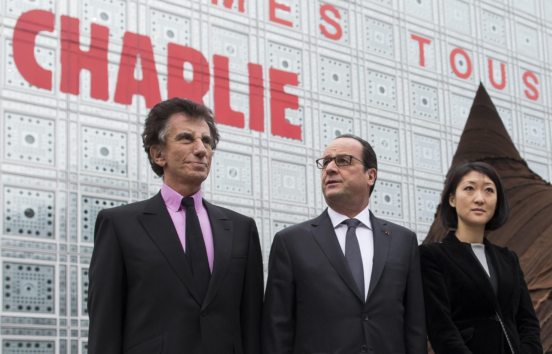 O presidente François Hollande durante visita ao Instituto do Mundo Árabe