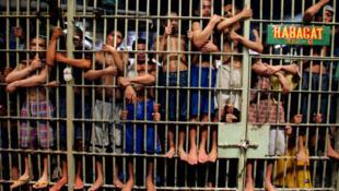 Dans une prison surpeuplée de Manille, aux Philippines.