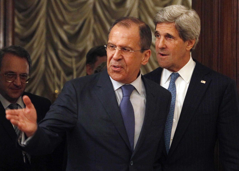 MM. Kerry (d.) et Lavrov (g.), le 7 mai 2013 à Moscou.
