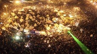 Manifestantes anti Mursi en la plaza Tahrir, El Cairo, 27 de noviembre de 2012.