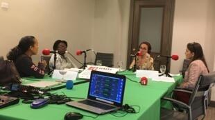 Enregistrement de l'émission à Port-au-Prince, Haïti. De gauche à droite: Dr Vanessa Rouzier, Guerda Debrosse, Caroline Paré et Fiammetta Cappellini.