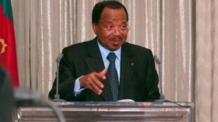 Chacun des huit candidats d'opposition a droit à une équipe de reportage contre cinq pour le président sortant, Paul Biya (photo