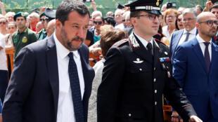 L'ancien ministre de l'Intérieur, Matteo Salvini, s'était rendu aux obsèques à Somma Vesuviana, le village natal du brigadier, le 29 juillet 2019.