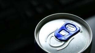 300 упаковок с банками энергетического напитка Red Bull были украдены со склада компании в Менене, в Западной Фландрии.