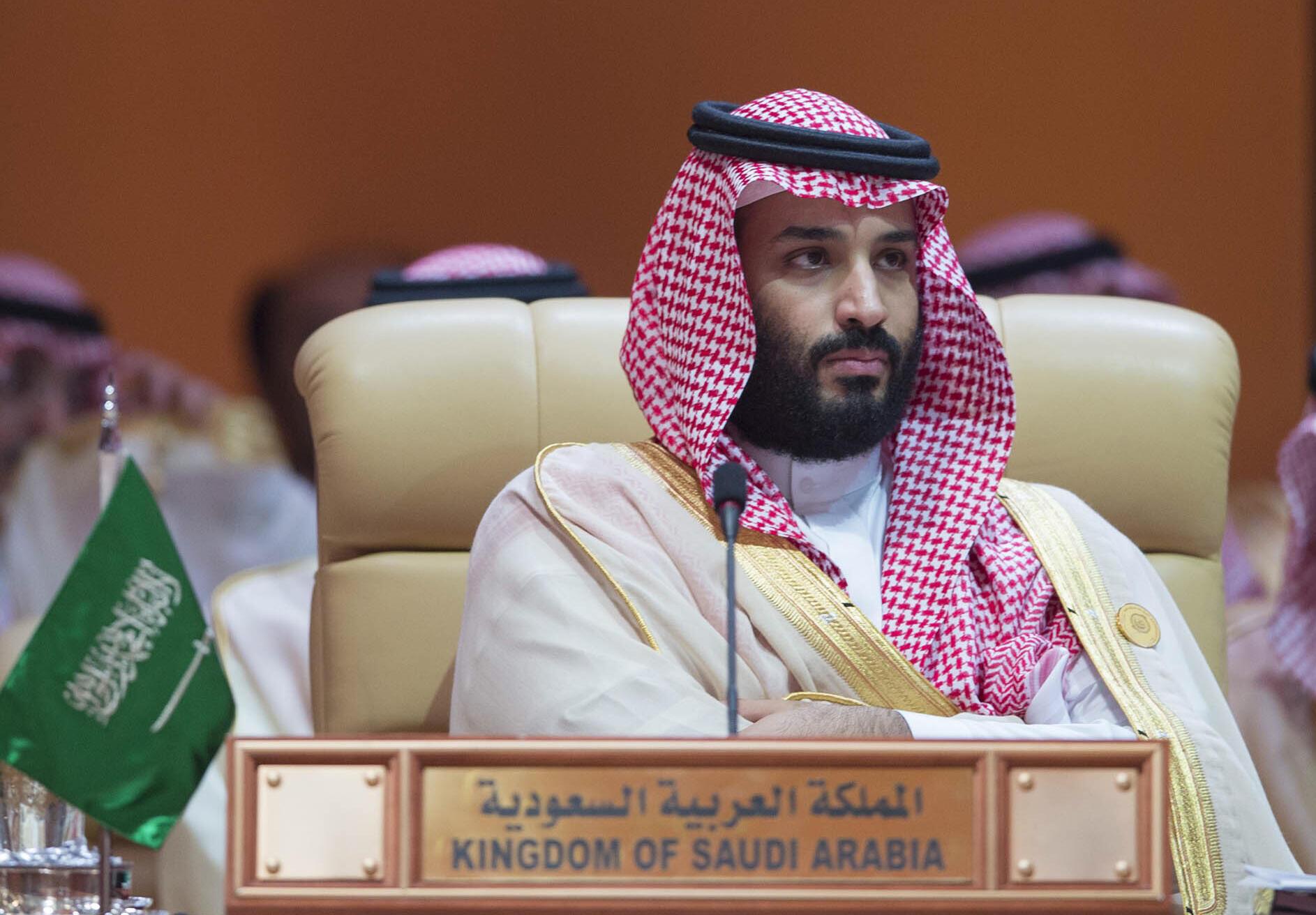 资料图片:沙特王储本-萨勒曼。2018年4月15日摄沙特达曼市于阿拉伯国家联盟峰会。