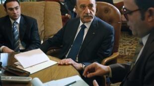Omar Suleiman meets the oppositon