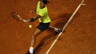 Rafael Nadal face à Pablo Carreno Busta pour son entrée au Masters 1000 de Rome au Foro Italico, le 16 septembre 2020