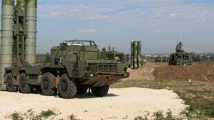 Des systèmes russes de défense antiaérienne S-400 (photo d'illustration).