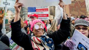 Las mujeres  protestan en Central Park, New York, el 20 jde enero.