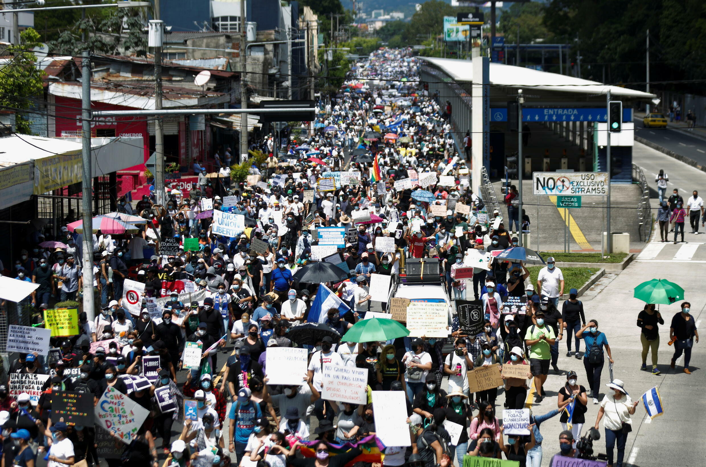 2021-09-15T191103Z_1710410978_RC2AQP9J2WUU_RTRMADP_3_EL-SALVADOR-BITCOIN-PROTEST