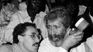 Tahar Cheriaa (à dr.) et Ferid Boughedir au Fespaco 1985.