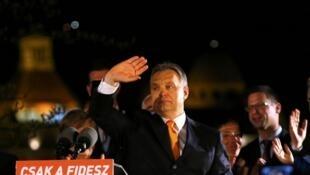 Le parti de droite populiste Fidesz du Premier ministre Viktor Orban a remporté ce dimanche 6 avril les législatives en Hongrie.