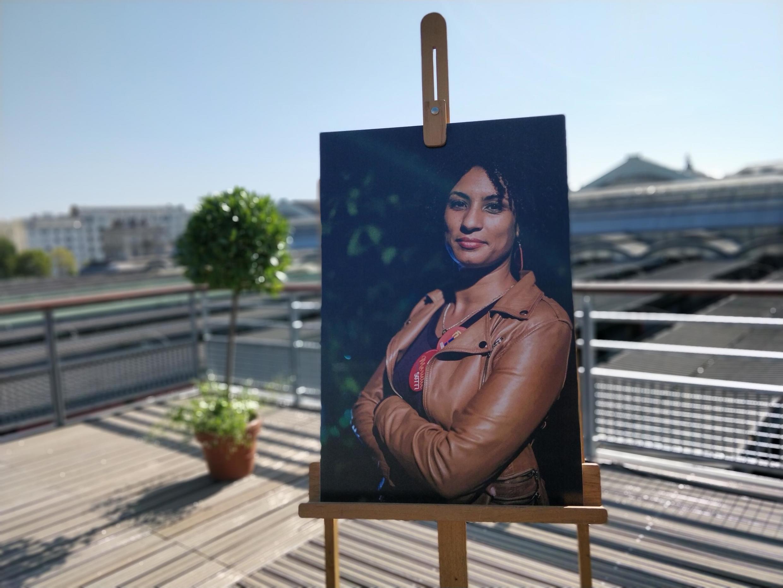 Imagem de Marielle Franco no jardim que leva o nome da ex-vereadora do PSOL em Paris.