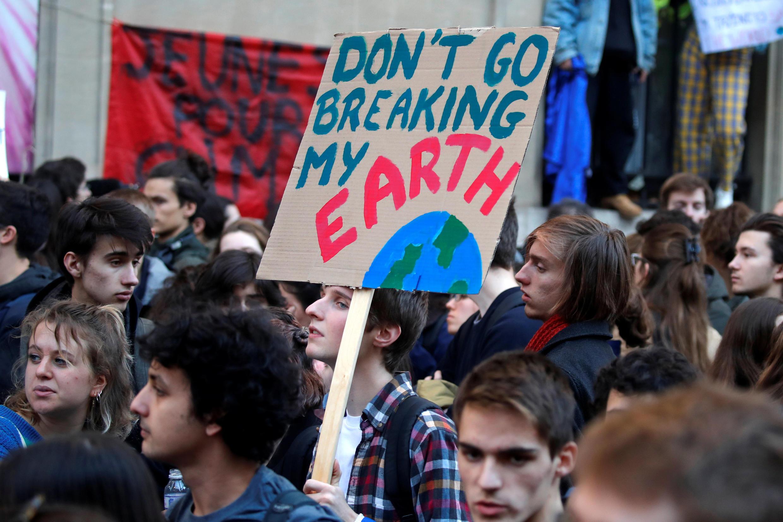 Protestos acontecem todas as sextas-feiras em várias cidades, como em Paris. 15/02/2019