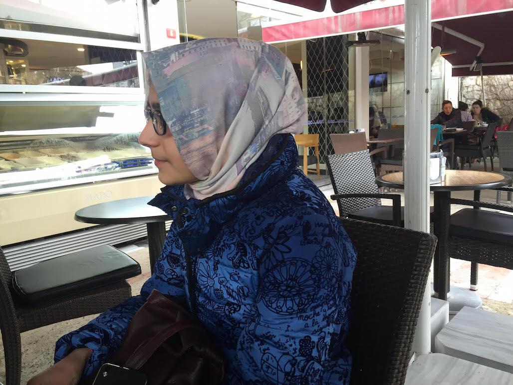 Rabia, 15 ans, souhaite faire ses études à l'étranger.