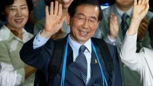 韩国首尔市长朴元淳资料图片