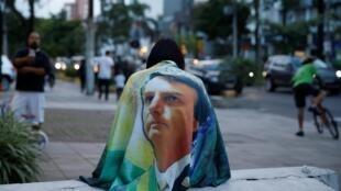 Manifestações de apoio a Jair Bolsonaro levaram pessoas às ruas de todas as capitais brasileiras, como em Porto Alegre. (26/05/2019)