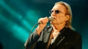 法國歌星Christophe因新冠肺炎離世