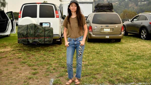 La réalisatrice sino-américaine Chloé Zhao le 11 septembre 2020, lors de la présentation de «Nomadland» en présence des nouveaux nomades, organisée par Fox Searchlight et The Telluride Film Festival, à Rose Bowl, Pasadena (Californie).
